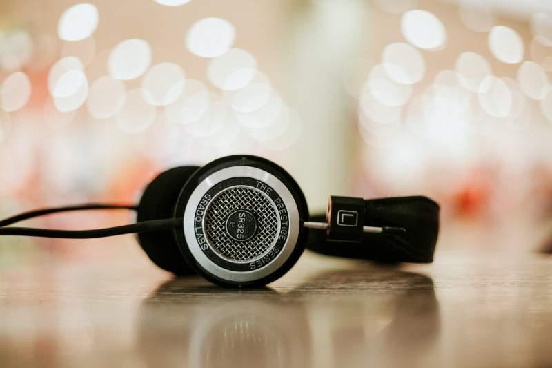 learn German podcast headphones