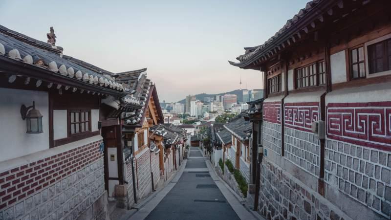 learn Korean Seoul street